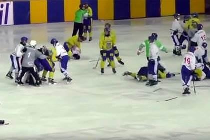 Сборная Монголии избила украинцев на матче по хоккею с мячом видео