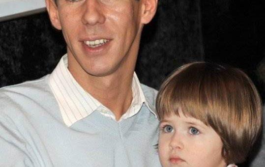 Алексей Панин похитил дочь у бывшей жены фото и видео