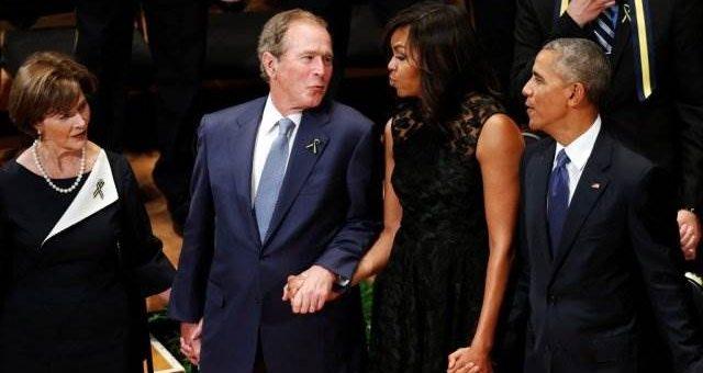 Джордж Буш танцует на панихиде в Далласе видео