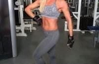52-летняя бодибилдерша Карен Кобб фото