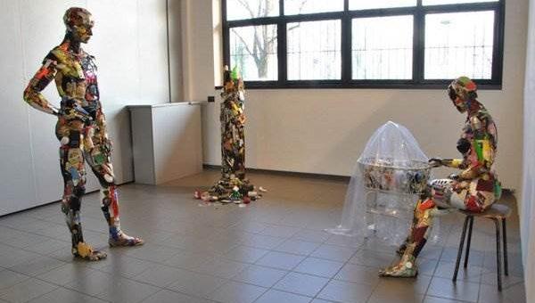 Скульптуры из мусора Dario Tironi