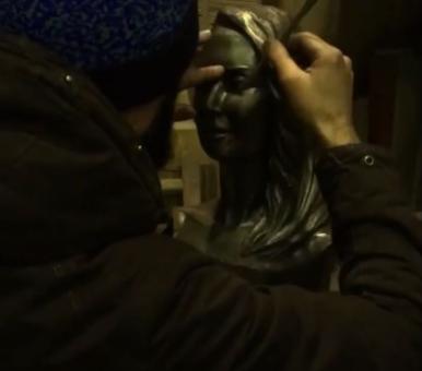 Памятник Жанны Фриске фото
