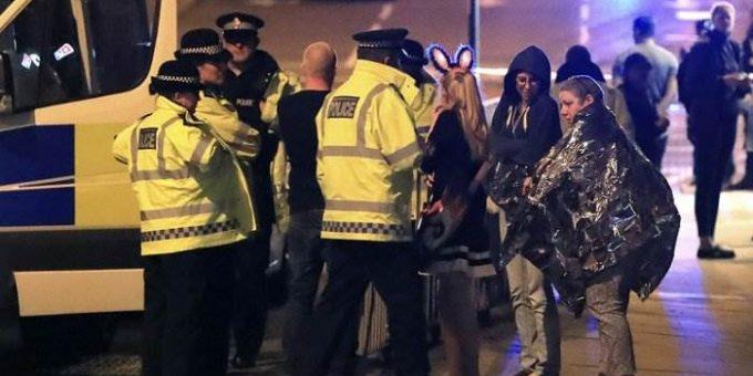 Взрыв в Манчестере на концерте Арианы Гранде фото и видео