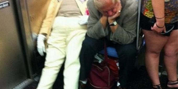 Самые смешные люди в метро (20 фото)
