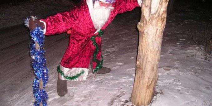 Пьяный Дед Мороз на Новый год (15 фото)