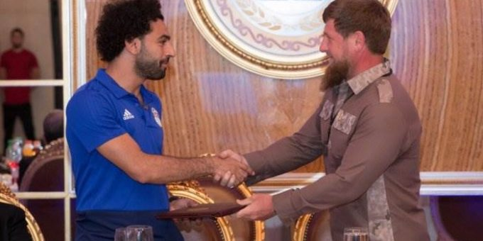 Салах стал почетным гражданином Чечни фото