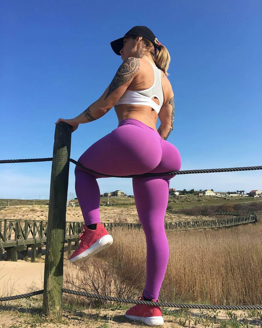 американский большой женский заднитц фото утро прямом эфире