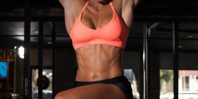 Фитнес-модель Тамра Дэй (Tamra Dae) горячие фото