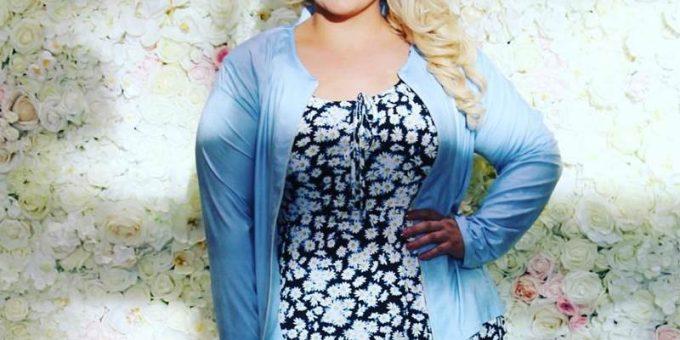 Красота плюс-сайз моды на примере пышнотелой блондинки Джессики Борзы