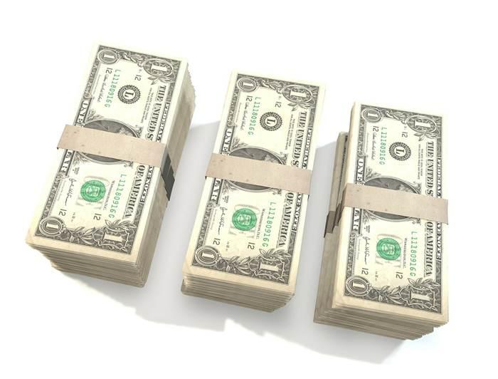 Деньги в пачках