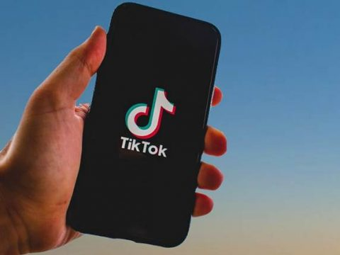 TikTok на смартфоне